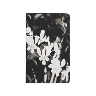 小さく白い蘭 ポケットジャーナル