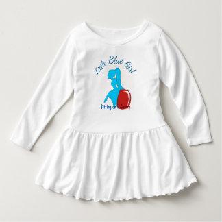 小さく青い女の子 ドレス