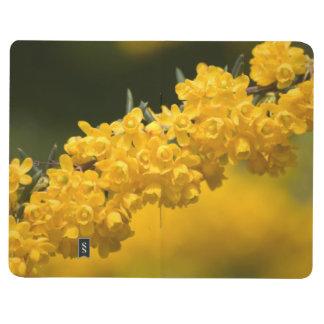 小さく黄色い花 ポケットジャーナル