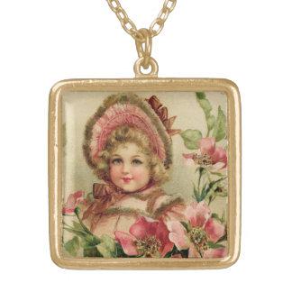小さな女の子のボンネットのヴィンテージ ゴールドプレートネックレス