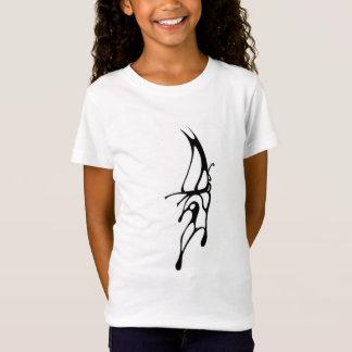 小さな女の子の蝶 Tシャツ