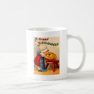 小さな女の子及びジャックOのランタン コーヒーマグカップ