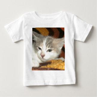 小さな女の子 ベビーTシャツ
