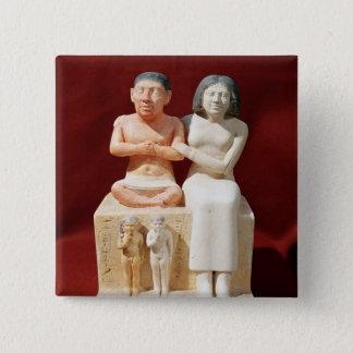 小型Senebおよび彼の家族の小像 5.1cm 正方形バッジ