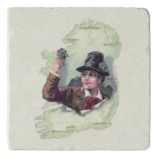 小妖精のシャムロックのアイルランドの島 トリベット