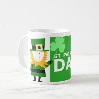 小妖精のデザインのアイリッシュコーヒーのマグ コーヒーマグカップ