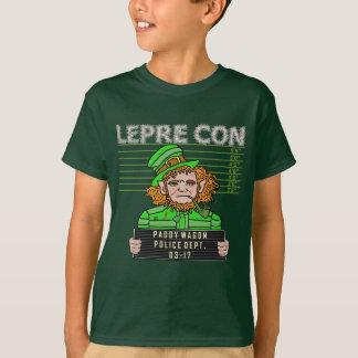 小妖精のLepreconのおもしろいな顔写真 Tシャツ