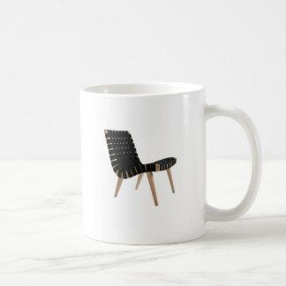 小山の世紀半ばのモダンな革紐の椅子によるイェンスRISOM コーヒーマグカップ