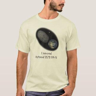 小惑星2012 DA-14、私は-失敗の近くの…生存者です! Tシャツ