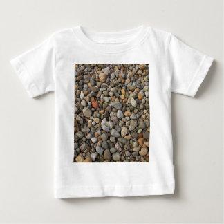 小石のTシャツの乳児 ベビーTシャツ