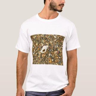 小石間の貝 Tシャツ