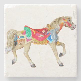小走りに走る手塗りの回転木馬の馬 ストーンコースター