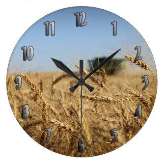 小麦畑のコンバイン ラージ壁時計