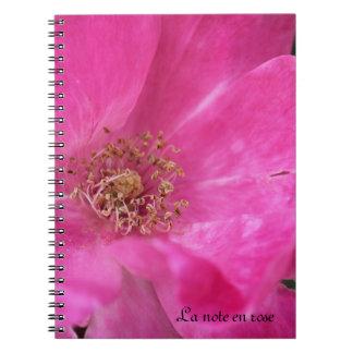 少しピンクのばら色のノート ノートブック