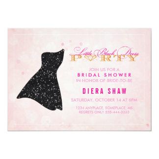 少し黒い服のシャワーの招待状 カード