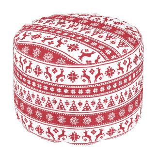 居心地のよいクリスマスの休日の北欧パターン プーフ