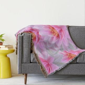 居心地のよく美しい投球の毛布ピンクの花いっぱいの装飾 スローブランケット