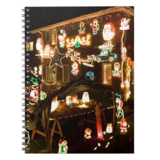 屋外のクリスマスの装飾 ノートブック