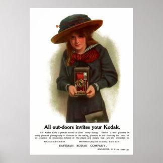 屋外の女の子。 1911.頃 ポスター