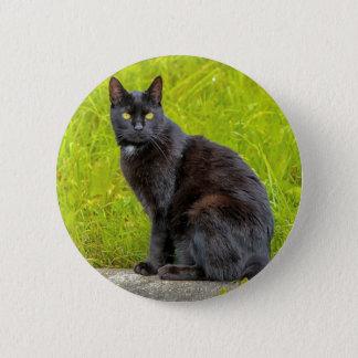 屋外黒猫の着席 缶バッジ