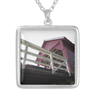 屋根付橋の下 シルバープレートネックレス