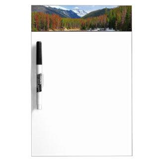山およびマツとの巻上げコロラド川 ホワイトボード