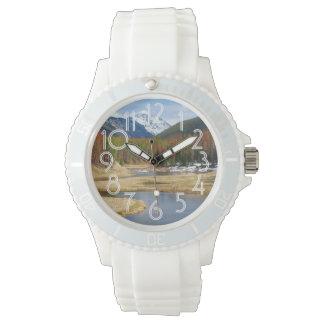 山およびマツとの巻上げコロラド川 腕時計