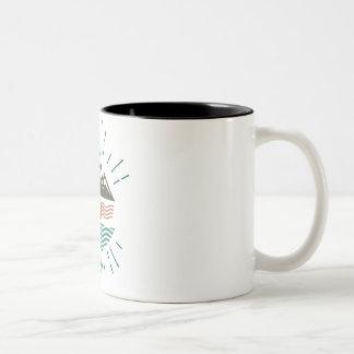 山および海 ツートーンマグカップ