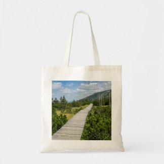 山のツンドラ木道の景色 トートバッグ
