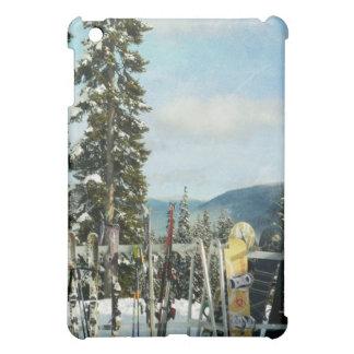 山の上のスキーそしてスノーボード iPad MINIカバー