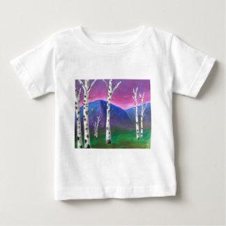 山の前の木III ベビーTシャツ