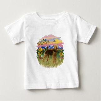 山の国- Airedale (立場) ベビーTシャツ