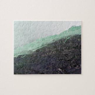 山の地域に流れる急速な水 ジグソーパズル