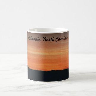 山の日没場面のマグ コーヒーマグカップ