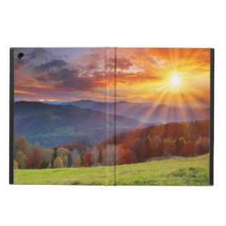 山の景色の威厳のあるな日の出 iPad AIRケース