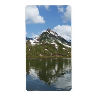 山の景色: 湖の山の反射 ラベル