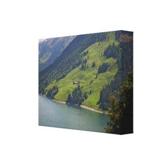 山の緑の足 キャンバスプリント