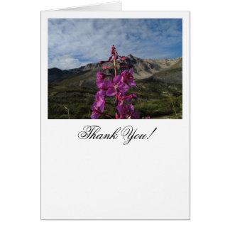 山の背景を持つFireweed カード