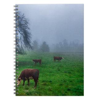 山の農場の牛 ノートブック