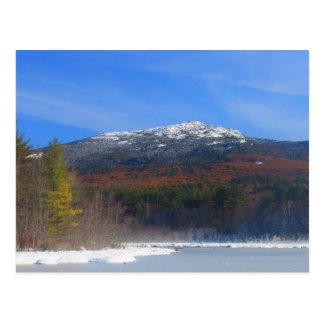 山のMonadnockの雪およびカシの群葉 ポストカード