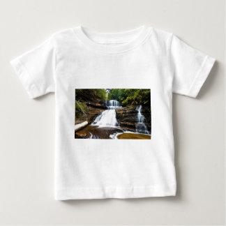 山分野の国立公園のBarron Falls女性 ベビーTシャツ