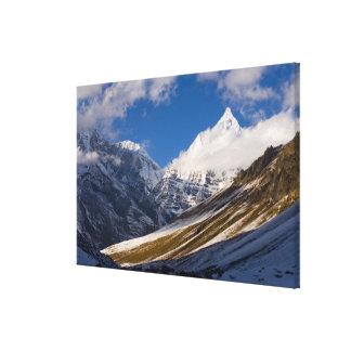 山Jichuドレーク、ブータンの眺め キャンバスプリント
