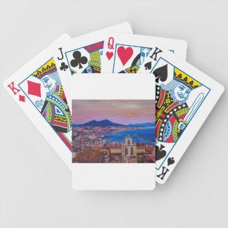 山Vesuvが付いているナポリのすばらしい都市眺め バイスクルトランプ