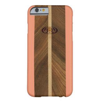 岩が多いポイントハワイの模造のな木製のサーフボード BARELY THERE iPhone 6 ケース