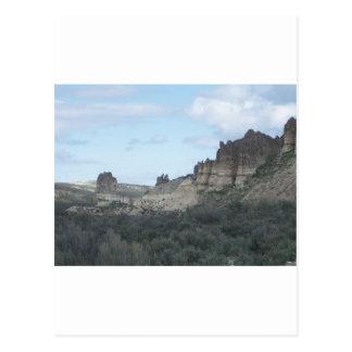 岩が多い崖の眺め ポストカード