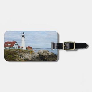 岩が多い海岸のポートランドヘッドライトの灯台 ラゲッジタグ