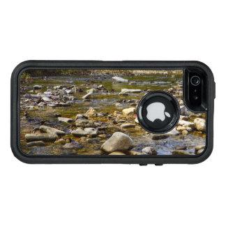 岩が多い道 オッターボックスディフェンダーiPhoneケース