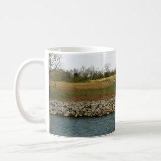 岩が多い銀行 コーヒーマグカップ