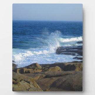 岬のNeddickの岩が多い海岸 フォトプラーク