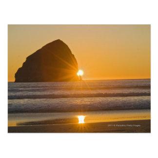 岬Kiwandaの日が差すことおよび三角波の石 ポストカード